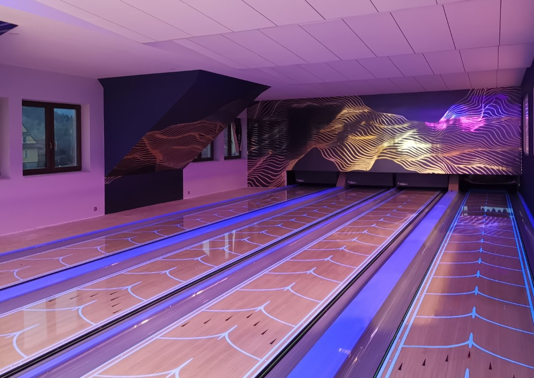 A STRIKE-ing modern bowling alley in Rabka